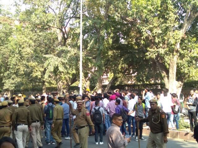 DUSU ABVP protest against Umar Khalid Ramjas College