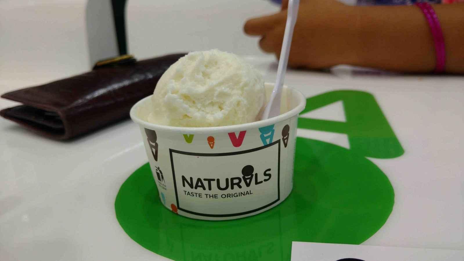Naturals Ice Cream CP Delhi